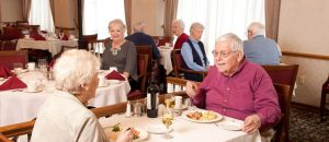 Restaurant-style Dining at glen arden retirement community